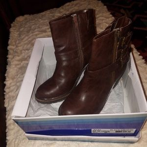 Brown Boots size 7.5 Booties